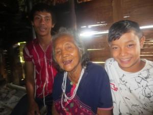 SawHtu, grandma,